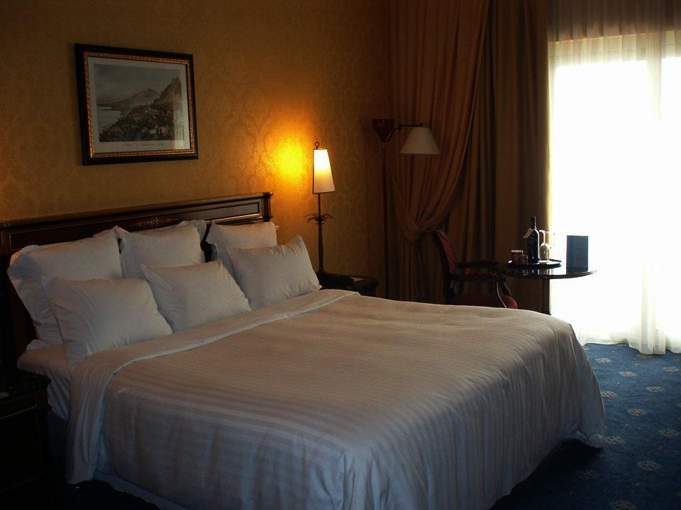 hotel-741047_960_720