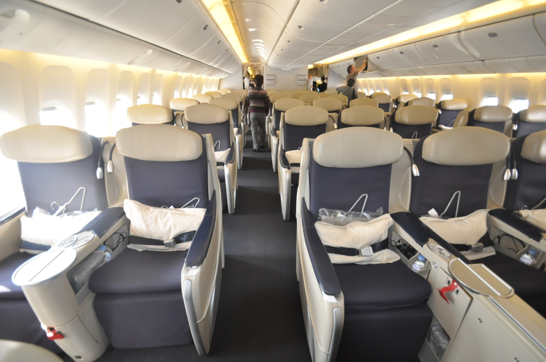 Air_France_aviation_Business_class(B777-300ER)