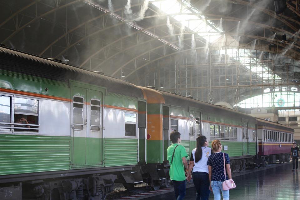 train-1124741_960_720