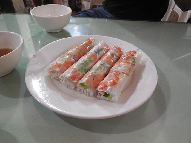 屋台で食べたベトナム料理