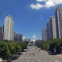 View_east_along_Sungang_East_Road_from_Renmin_North_Road,_Shenzhen,_China