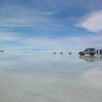 ウユニ塩湖は美しい。南西部に位置する