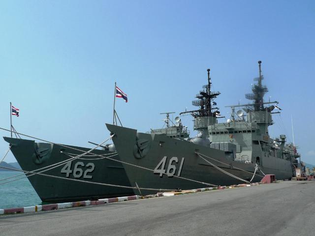 サタヒップ軍港は一般人でも遊びに行くことができる