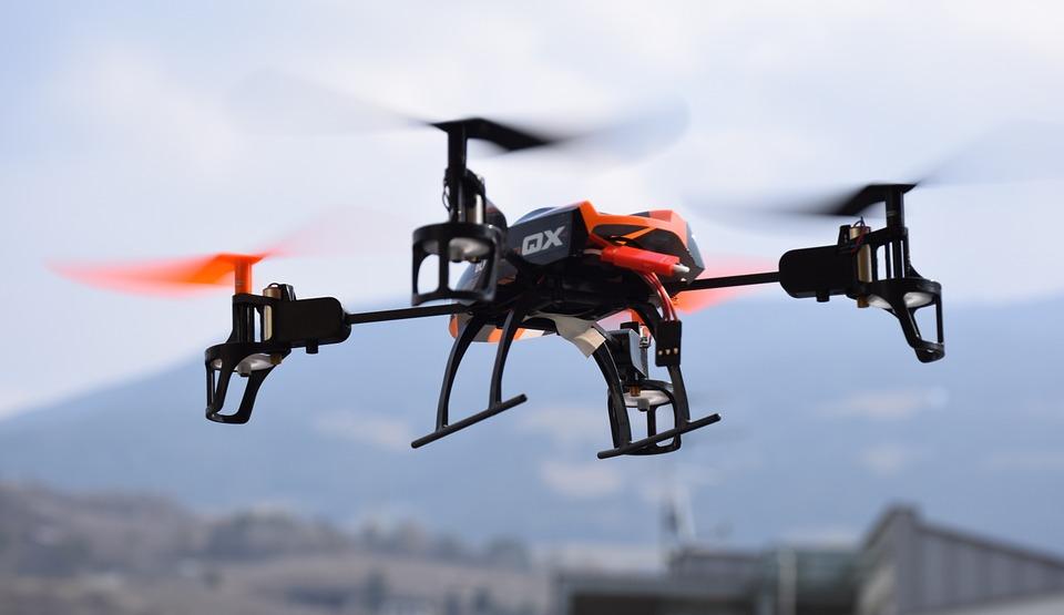drone-674237_960_720