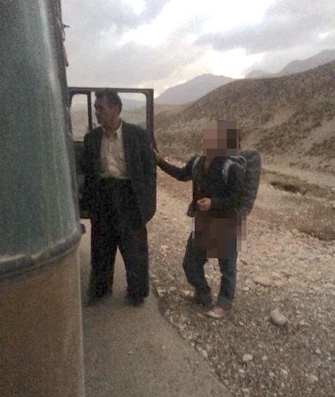旅友だち(右)とヒッチハイクした車の運転手