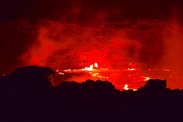 エルタ・アレ火山の火口