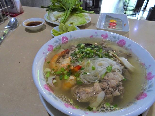 ベトナム南部の「フーティウ」はクイッティアオに酷似するが、麺にコシがない