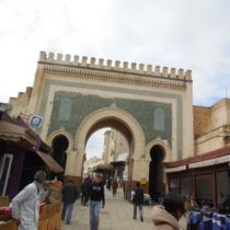 「ブー・ジュルード門」周辺は観光客が多いエリア。少し安心できる