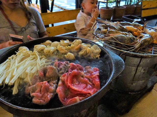 肉にビールは最高。バンコクもタイ式や韓国式、日式とあらゆる焼肉がある