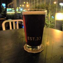「est.33」でしか飲めないビアシンの黒生