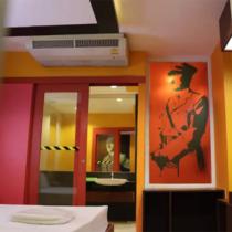 【ほいなめニュース】タイ・バンコク近くにナチスをモチーフにしたラブホテルの部屋を発見!!