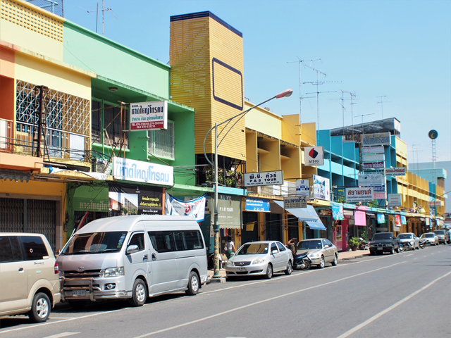 南部ハートヤイ(ハジャイ)。カラフルなタウンハウスは南部というイメージがある