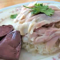 このジューシーな肉感を見よ! ウドンタニーの食堂のカオマンガイ