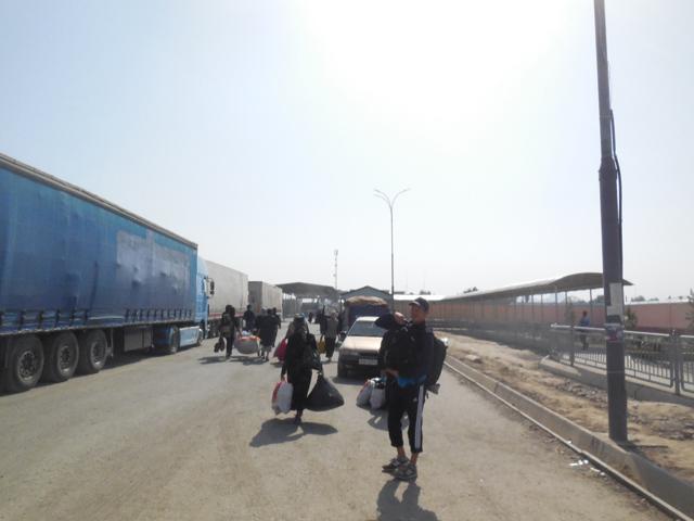ウズベキスタンとキルギスの国境