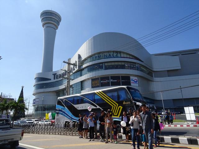 「ターミナル21」の展望台がなかなかの景観。