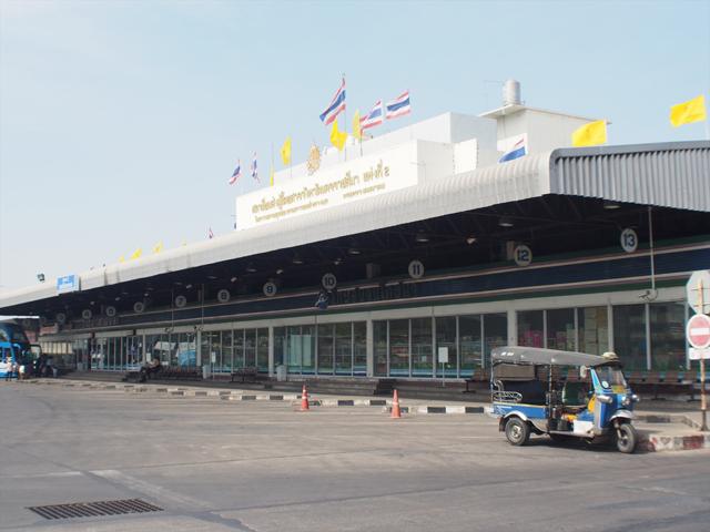 コラートのバスターミナル。第2ターミナル、あるいは新ターミナルと呼ばれる。